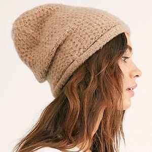 FREE PEOPLE NWT Dreamland Knit Beanie Taupe